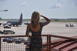 šaty do letadla