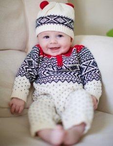 návod jak obléci novorozence
