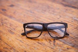 ako vyčistiť okuliare