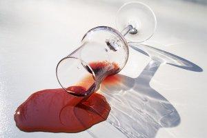 jak vyčistit flek od vína