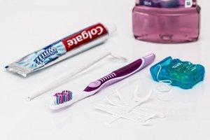 Jak se dá vyčistit zubní kámen